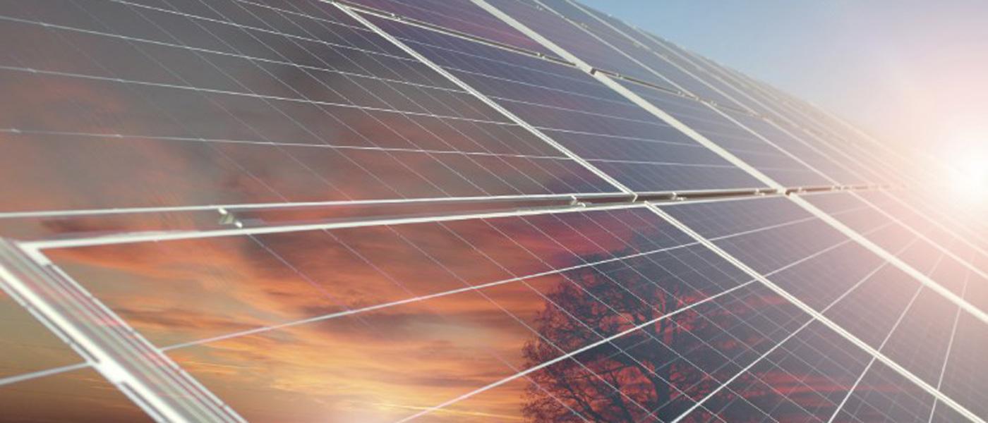Kwalitatieve zonnepanelen met uitgebreide garantie, geplaatst door een professioneel team